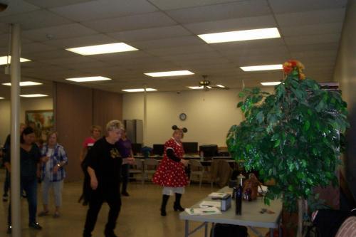 line dance class halloween 10-30-18 008